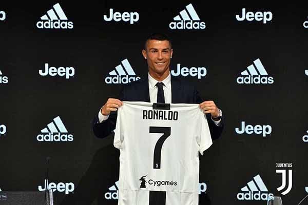 CR7 là một trong những cầu thủ áo số 7 xuất sắc nhất hiện nay